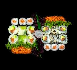 Supreme Salmon Box image
