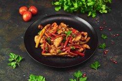 Piept de curcan cu legume și sweet chilli image
