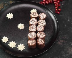 Clătite cu cacao, cremă de brânză și caramel image
