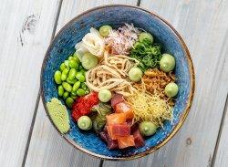 Chirashi sushi bowl image