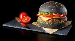 Burger cu chiflă neagră image