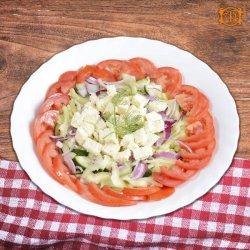 Salată de crudități cu telemea