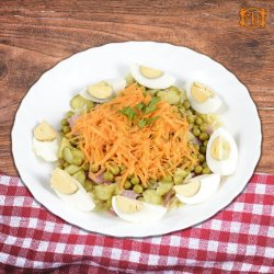 Salată paste colorate