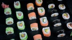 Salmon Mix (24 pcs) image