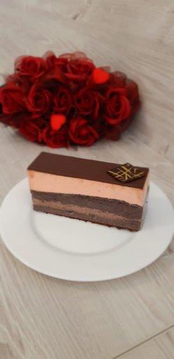 Felie căpșună cu ciocolată de lapte image