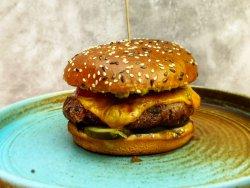 Staro Burger image