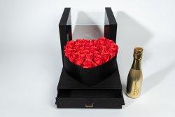 Set cadou cutie lux neagră cu capac stiplex, inimă și sertar negru + 25 trandafiri săpun roșii + vin spumant Bottega Gold + plasă neagră cu fereastră  image