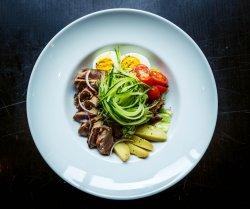 Salată de caracatiță cu spaghete de dovlecel image
