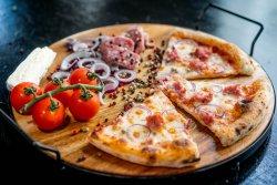 Pizza Salsiccia e Cipolla image