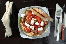 Salată caldă de pui image