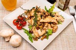 Piept de pui cu ciuperci și mirodenii în stil franțuzesc image