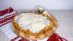 30% Reducere Langoș cu brânză, smântână, mujdei  image