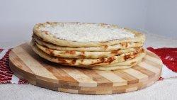 30% Reducere Plăcintă cu cartofi, brânză, smântână, mujdei image