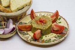Salată de vinete cu roșii