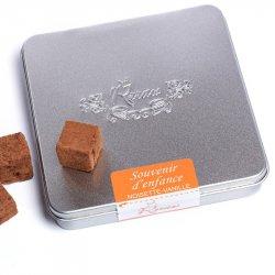 Trufe de ciocolată crudă cu alune și vanilie image
