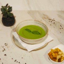 Supă cremă de mazăre cu mentă și busuioc image