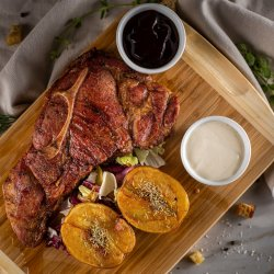 Steak de porc cu sos barbeque si cartofi rozmarin  image