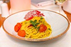 Spaghete aglio olio peperoncino image