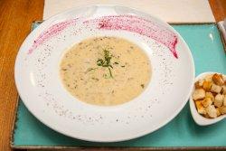 Supă cremă de hribi cu tartufo image