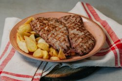 Mușchiuleț porc la grătar cu cartofi wedges image