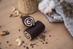Ruladă cu ciocolată, cocos și zmeură image