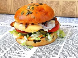 Chili Cheese Crispy Chicken Burger image
