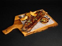Coaste de porc glazurate cu sirop de rodie, și lămâie la grătar image