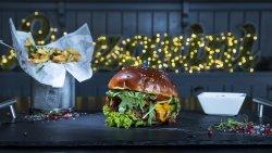 Hamburger Lazarini cu cartofi cu usturoi și parmezan  image