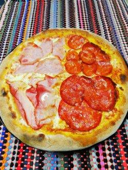 Pizza 4 feluri 1+1 Gratuit + Suc gratis image