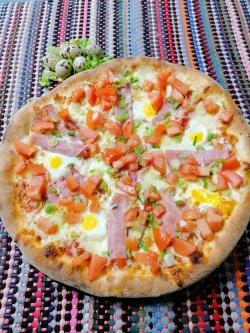 Pizza cu oua de prepelița 1+1 Gratuit + Suc gratis image
