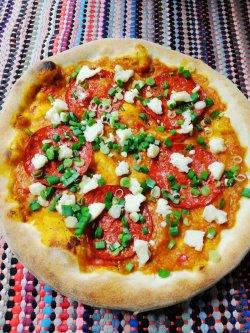 Pizza cu zacuscă 1+1 Gratuit + Suc gratis image