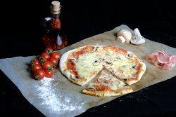 Pizza Prosciutto Funghi 40 cm image
