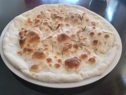 Pane pizza con rosmarino        image