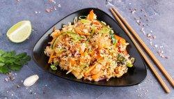 WOK cu orez si pui in sos Taiwanez image