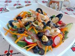Salată specială cu pește image