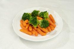 Morcovi baby cu broccoli image