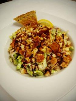 Salată pui grill