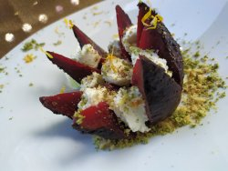 Roasted beets, goat cheese & nuts image