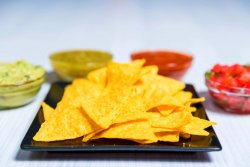 Nachos cu salsa Mexican barbeque image