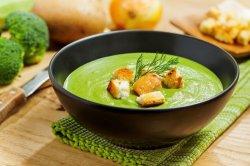 Supă cremă de broccoli si crutoane image