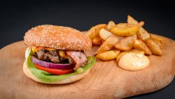 Gigi Burger image