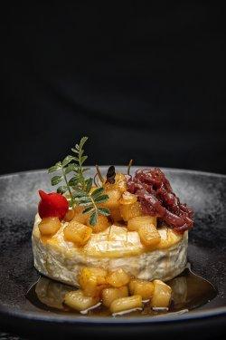Camembert la cuptor   image