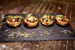 Ciuperci gratinate cu mozzarella image