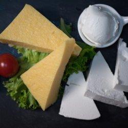 Mămăligă cu brânză și smântână image