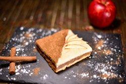 Plăcintă cu mere și scorțișoară image