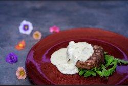 Mușchi de vită cu sos gorgonzola image