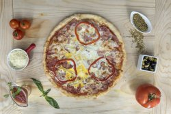 Pizza Carnivore image