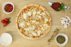 Pizza Delizia image