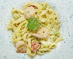Tagliatelle Scampi, Zucchine e Pomodorini image