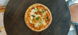 Pizza Regina image